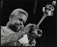 ******** Dizzy Gillespie performing with the Royal Philharmonic Orchestra, Royal Festival Hall, London, 1 November 1985.