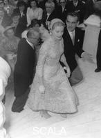 ******** Prince Rainier and Grace Kelly during the garden party given for their wedding guests, Monaco, 1956.
