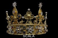 ******** Crown made from non-precious materials, possibly used at the funeral of Philippe le Hardi (Philippe II, duc de Bourgogne) in 1404 or of Jean Sans Peur (Jean de Valois or Jean I duc de Bourgogne) in 1419, or from a statue of the Virgin, originally in the Chartreuse de Champmol, in the Musee des Beaux-Arts de Dijon, opened 1787 in the Palace of the Dukes of Burgundy in Dijon, Burgundy, France. Picture by Manuel Cohen